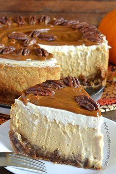 Pecan Pie Pumpkin Cheesecake Enjoy a pie and cheesecake all in one creamy delicious dessert! Köstliche Desserts, Holiday Desserts, Delicious Desserts, Dessert Recipes, Yummy Food, Holiday Pies, Christmas Pies, Christmas Sweets, Christmas Cooking