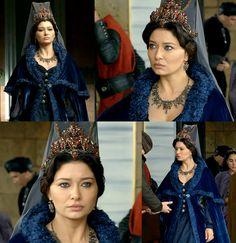 MC: Kosem - 2x02 kosem sultana's cape, dress, headpiece