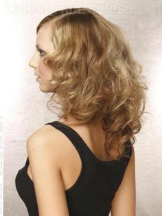 The Big Sexy Bombshell Long Wavy Look with Curls Side View