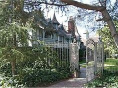 gates- La Canada Flintridge Home