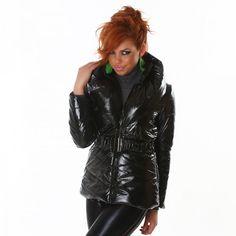 Nouvelle doudoune fashion pour être au chaud cet hiver !  http://www.boutiquedestendances.com/fr/vetement-femme-gilet-manteau/402-doudoune-brillante-noir-femme.html