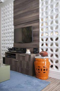 Sala de TV Home: Sala de estar Moderno por Biarari e Rodrigues Arquitetura e Interiores