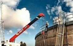 UNIC Truck-mounted crane Truck Mounted Crane, Fair Grounds, Trucks, Outdoor Decor, Fun, Travel, Viajes, Truck, Destinations