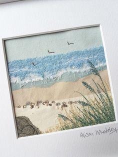 Textile Art 15270086226582852 - Seascape – Alison Whateley – Thimblestitch at Zoë's Source by Fiber Art Quilts, Textile Fiber Art, Textile Artists, Freehand Machine Embroidery, Embroidery Art, Art Fibres Textiles, Deco Marine, Beach Quilt, Landscape Art Quilts