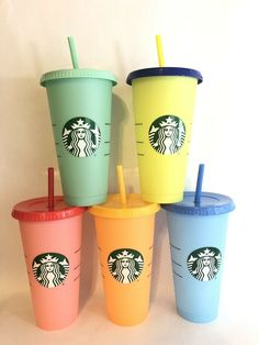 Starbucks Color Changing Reusable Cold Cup Tumbler Pack of 5 w/ Lids & Straws for sale online Bebidas Do Starbucks, Copo Starbucks, Starbucks Logo, Starbucks Drinks, Starbucks Tumbler Cup, Personalized Starbucks Cup, Custom Starbucks Cup, Starbucks Tassen, Starbucks Birthday