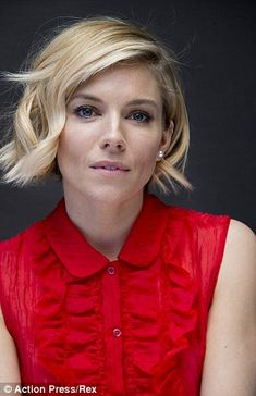 ideas for hair short blonde bob sienna miller 2015 Hairstyles, Short Hairstyles For Women, Trendy Hairstyles, Girl Hairstyles, Gorgeous Hairstyles, Wedding Hairstyles, Short Blonde, Girl Short Hair, Short Wavy