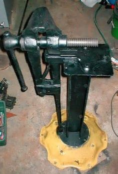 Really Nice Portable Vise Stand Blacksmith Tools
