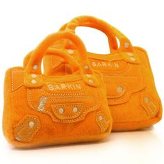 A haute plush Birkin purse.Barkin purse for your little pooch! Online Pet Supplies, Dog Supplies, Funny Dogs, Cute Dogs, Funny Dog Toys, Dog Items, Dog Accessories, Balenciaga City Bag