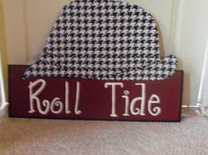 "Wooden Houndstooth ""Bear Bryant"" Hat Yard Sign or Door Hanger"