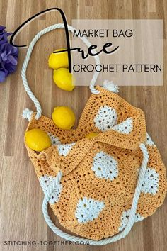 Shop in style with this gorgeous crochet market bag. You can easily tailor the free pattern to match any outfit you'd like and use it as a regular purse. Click to go directly the the crochet market bag free pattern by Stitching Together. All Free Crochet, Double Crochet, Crochet Motif, Diy Crochet, Crochet Stitches, Crochet Hats, Crocheted Bags, Crochet Ideas, Tejidos