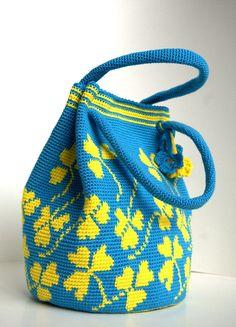 Crochet blue handbag Crochet shoulderbag with clovers blue Mochila Crochet, Crochet Bags, Tapestry Bag, Tapestry Crochet, Microfibre, Blue Handbags, Bucket Bag, Purses And Bags, Gym Bag