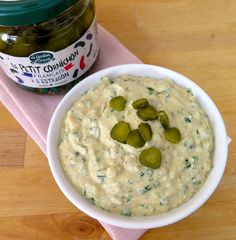 Kind of like a light pickle tartar sauce Meat Recipes, Vegetarian Recipes, Cooking Recipes, Cake Recipes, Bearnaise Sauce, Marinade Sauce, Seafood Salad, Tartar Sauce, Pesto Sauce