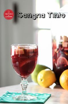 10 Summertime Sangria Recipes - including this classic Sangria Tinto recipe that designed for a crowd! #entertaining