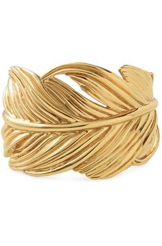 You can never go wrong with a golden leaf cuff bracelet! Shop this bracelet here: www.stelladot.com/ashleykinel
