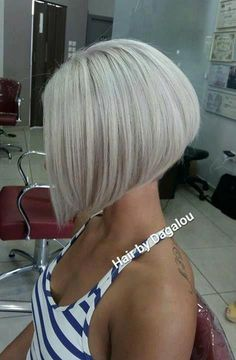 Beautiful Short hair Idea – hair styles for short hair – hair cut ideas Modern Bob Haircut, Bob Haircut For Fine Hair, Bob Hairstyles For Fine Hair, Layered Bob Hairstyles, Haircuts For Long Hair, Short Hair Cuts, Short Hair Styles, Bob With Fringe Fine Hair, Asymmetrical Bob Haircuts