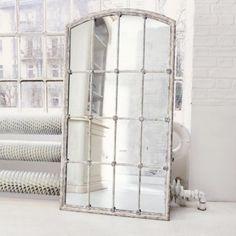 #mediterran #wohnen #wohnzimmer #spiegel Rustikalen Shabby Chic, Mirror Cabinets, Vintage Stil, Ladder Decor, Sweet Home, Furniture, Home Decor, Portal, Magic