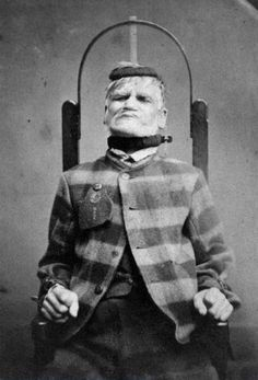 Century Asylum Restraint Chair Patient in restraint chair at the West Riding Lunatic Asylum, Wakefield, Yorkshire Today we call this torture. Wakefield, Insane Asylum Patients, Mental Asylum, Haunting Photos, Creepy Photos, Psychiatric Hospital, Carmen Miranda, Psy Art, Vintage Medical
