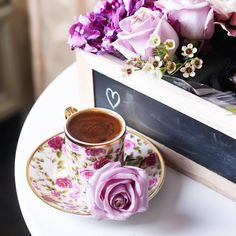 Coffee love ♛ discovered by Andrea A Elisabeth ♛ I Love Coffee, Coffee Break, Morning Coffee, Coffee Images, Coffee Pictures, Coffee Pics, Cocoa Drink, Birch Wedding, Tea And Books