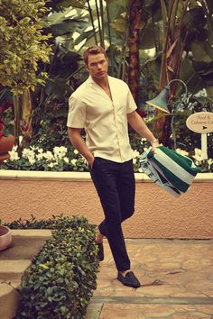Model and actor Kellan Lutz (Ford Models) stars in the Days in LA story captured by fashion photographer Arnaldo Anaya Lucca for the May 2014 edition of GQ Kellan Lutz, Gq, Sean O'pry, Best Dressed Man, Sexy Men, Hot Men, Beautiful Men, Men Dress, Hot Guys