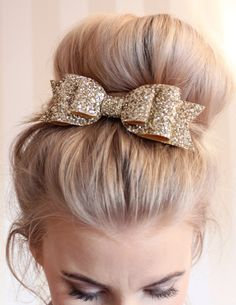 Glitter hair clip bow