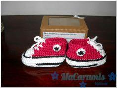 escarpines/ botitas tejidas en crochet... tipo Converse All Star... para recien nacido... Encontrame en Facebook. Macarumis