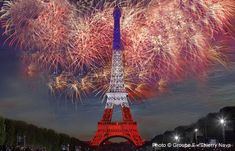 """Latest Bastille Day in Paris 2014 was the scenery for the commemoration of the First World War, which served as a guideline for the evening, and also the theme of the day. The """"Champ de Mars"""" in Paris is kindled for the traditional fireworks on July 14. Special guest this year: the Eiffel Tower."""