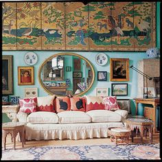 Photo I: Home of Peter Hinwood aka rocky aka antiques dealer and house owner with Tiffany blue walls and an eclectic collection of furnishings and design and decoration design ideas Tiffany Blue Walls, Eclectic Paintings, English Decor, Living Spaces, Living Room, Interior Decorating, Interior Design, Decorating Ideas, Modern Interior
