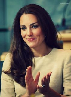 Princess Kate. The most beautiful princess in history, even beautiful more than princess Diana. I love she's together.