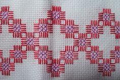 ponto reto - toalhabordado bargello o florentino ile ilgili görsel sonucu Types Of Embroidery, Hand Embroidery Designs, Diy Embroidery, Cross Stitch Embroidery, Cross Stitch Borders, Cross Stitch Designs, Cross Stitching, Cross Stitch Patterns, Chicken Scratch Embroidery