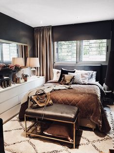 home decor apartment appliances My Living Room, Home And Living, Florida Home Decorating, Home Bedroom, Bedroom Decor, Beautiful Bedrooms, House Rooms, Home Decor Styles, Interior Design Living Room