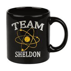 *Imprimé tasse de café GEEK TEAM/équipe SHELDON noir*  MUST HAVE pour tous les fans de Big Bang Theory!   *Produit & Qualité* Tasse à café insolite en céramique de couleur noire.  La tasse...