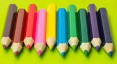 Lápices de madera. Utilizando colores de madera que ya estén gastados o rotos representaremos el dibujo de un paisaje pegándolos sobre el papel en lugar de utilizar los colores para pintar.