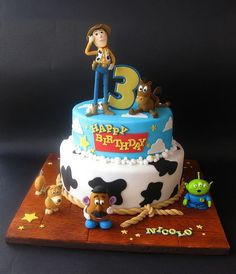 Toy Story cake - Toys for years old happy toys Toy Story Party, Fête Toy Story, Toy Story Birthday Cake, Toy Story Theme, 3rd Birthday Cakes, Toy Story Cakes, Disney Birthday, Toy Story Food, Birthday Ideas