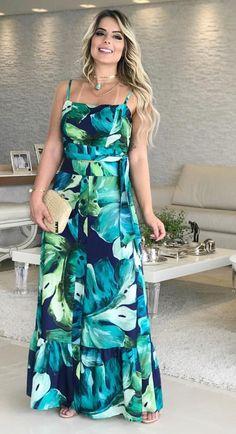 Fashion Sewing, Fashion Wear, Fashion Dresses, Fashion Looks, Cozy Fall Outfits, Beautiful Summer Dresses, Fashion Design Sketches, Formal Looks, Dress Skirt