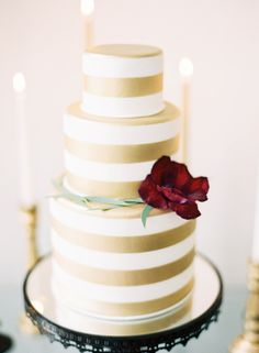 Black, Gold and Pantone Inspired Wedding Ideas | Wedding Sparrow | Marissa Lambert Photography