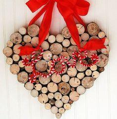 Романтичная валентинка из дерева на День Святого Валентина, фото