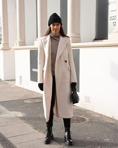 "3,397 aprecieri, 76 comentarii - JULIA LUNDIN (@julialundinblog) pe Instagram: ""30 December 🤍"" Winter Fashion, Fashion Coat, 30th, Personal Style, Duster Coat, Normcore, Classy, Style Inspiration, December"