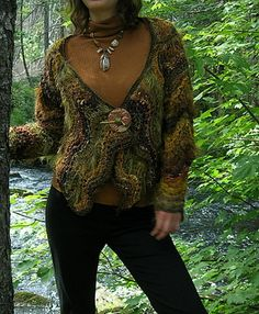 Jane THornely - Freeform knitting - Feather and Fan Knit A-Long · Knitting | CraftGossip.com