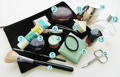 Zeigt her Eure Beautyprodukte! Was Kosmetiktaschen über ihre Besitzerin verraten + Gewinnspiel!