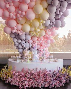 Birthday Party Design, Birthday Balloon Decorations, Birthday Balloons, Baby Shower Decorations, Birthday Parties, Wedding Decorations, Deco Ballon, Decoration Plante, Basket Decoration