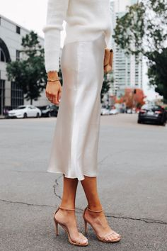 Fashion Jackson Wearing Banana Republic White Slip Midi Skirt White Sweater Winter White Party Outfit Source by fashion_jackson outfits party Party Fashion, Look Fashion, Fashion Outfits, Abaya Fashion, Club Outfits, Party Outfits, Dope Outfits, Classy Fashion, Lolita Fashion