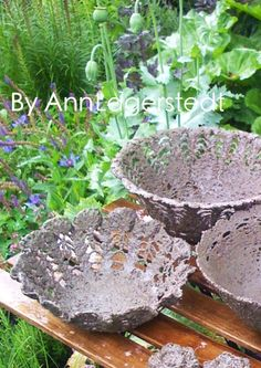 Wonder if these can be made with cement and lace fabric doilies, dries over plastic bowl - Green Secrets