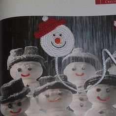 Bookmark books crocheted - Snowman. As a bookmark you can use to save a page in books, diaries, paper notebooks etc. Bookmark llength about 30 cm (11,8 in) A good gift for fans to read. I can make the interesting color and quantity. Please let me know if you need additional pieces.