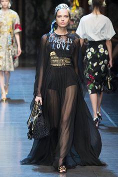 Dolce & Gabbana Spring 2016 Ready-to-Wear Collection Photos - Vogue