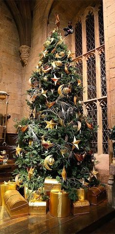 There's A Chance You Can Have Christmas Dinner In The Great Hall At Hogwarts
