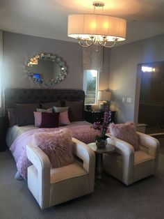 Dream Rooms For Teens Mason Jars - Decoration Home Dream Rooms, Dream Bedroom, Home Bedroom, Bedroom Ideas, 1920s Bedroom, Master Bedroom, Teen Bedroom, Bedroom Inspo, Bedroom Decor Glam