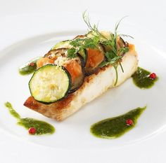結婚式場写真「フレンチイタリアン 魚料理の一例」 【みんなのウェディング】