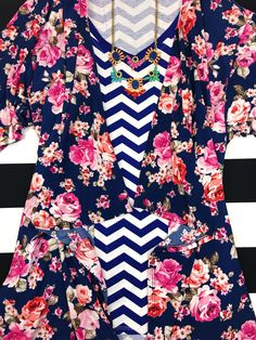 LuLaRoe pattern mixing ideas - navy and white chevron Christy T and floral print Shirley Floral Tops, Floral Prints, Diy Clothes, Clothes For Women, Clothing Deals, Lula Roe Outfits, Pattern Mixing, Navy And White, Woman Outfits