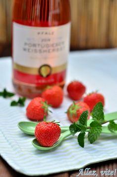 Erdbeerdrink Getränk Sommerdring Bowle Erdbeerbowle Beerenbowle Rezept