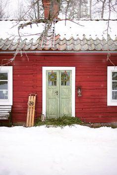 Lollos torp - ett reportage i Amelia Jul Swedish Cottage, Swedish Decor, Red Cottage, Swedish Style, Swedish House, Norwegian House, Swedish Christmas, Scandinavian Christmas, Country Christmas